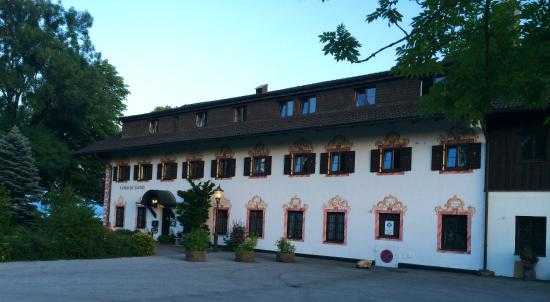 Hotel Landgasthof Lambach GmbH: Front of hotell