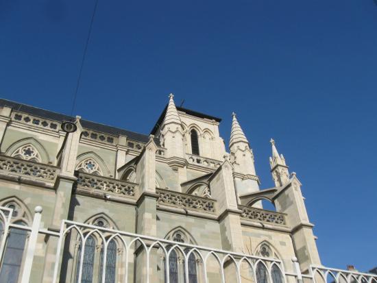 Notre Dame Basilica : Nice blue winter sky