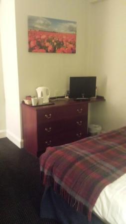 The Broadway Hotel: Bedroom