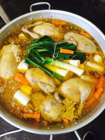 La poule au pot photo de restaurant gouaillardeu arette - Cuisine poule au pot ...