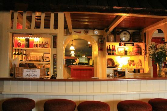 Morans Oyster Cottage: Moran's Bar