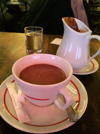 Café Marais : hot chocolate