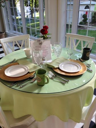 A Storybook Inn : Beautiful Setting for Breakfast