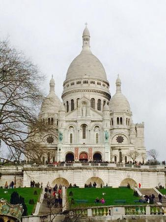 Garden Elysee Hotel: Sacre cours