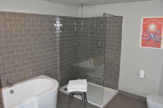Fine Bathroom Designs Liverpool Y With Design