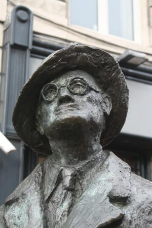 James Joyce Statue: Curious?