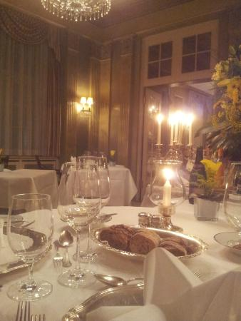 Restaurant Sevres: eine romantische Atmosphäre
