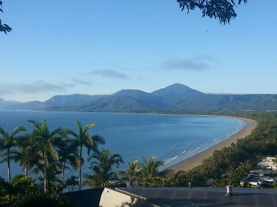 Lychee Tree Holiday Apartments: Vista dal belvedere di port Douglas