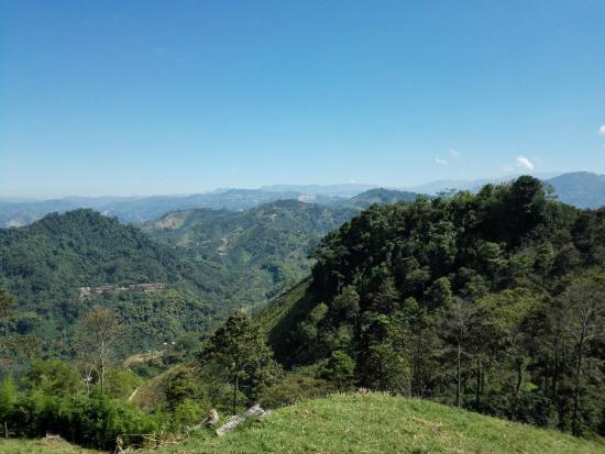 Chinchina, Kolumbia: paisajes de colina del sol