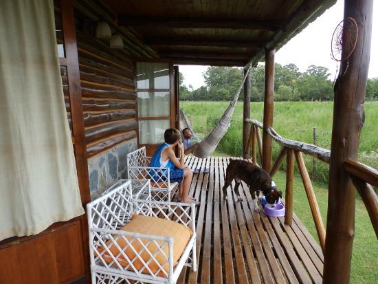 Cabañas El Relincho: Deck Galeria