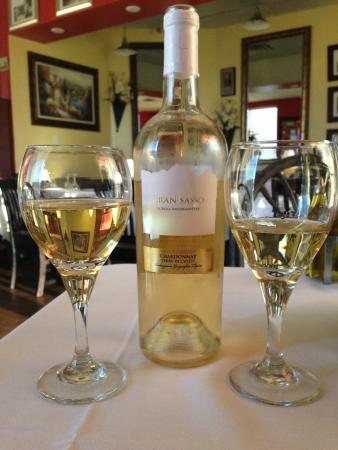 Gina's Bistro: Great Wine Selection
