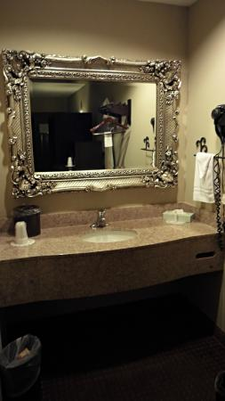 Inn at Mulberry Grove : Vanity