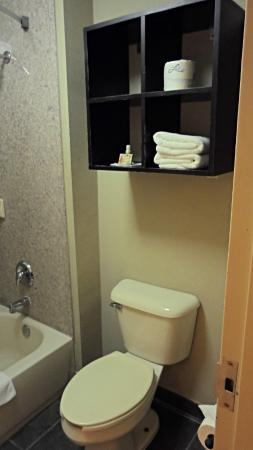 Inn at Mulberry Grove: Bathroom