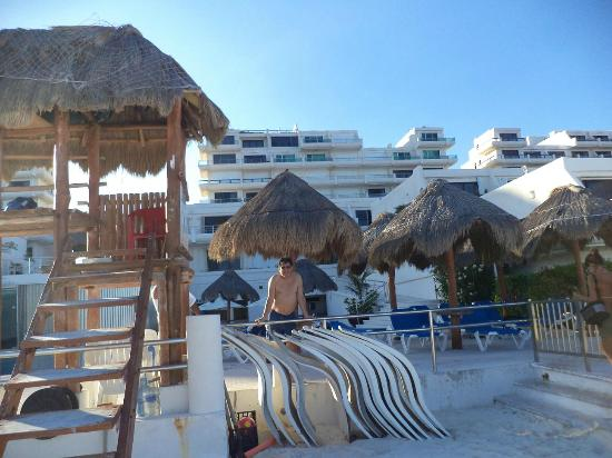 Rea de la piscina picture of villas marlin cancun for Villas marlin cancun