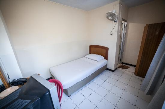 Celebes Hotel: Room 201