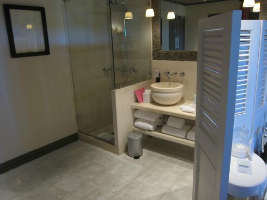 Villa Marie: bath