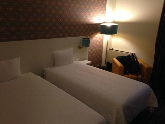 ibis Styles Regensburg : Apartamento duplo com duas camas de solteiro