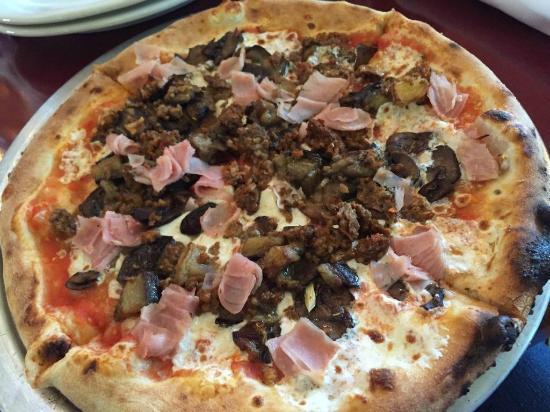 Via Napoli Ristorante E Pizzeria The Capricciosa Pizza With Italian Sausage Was One Of