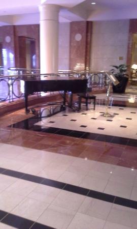 Four Seasons Hotel Atlanta : Foyer on the second floor