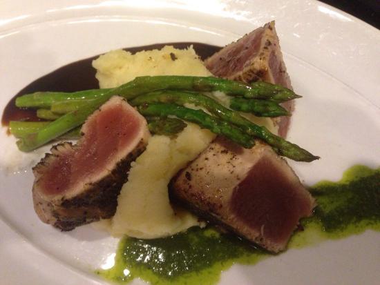Entre Nous Bistro: Tuna
