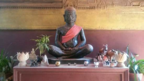 Angkor Spirit Palace: Buddha :)