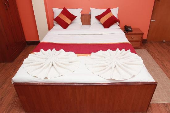 Shree Tibet Family Guest House: Deluxe Room!!!