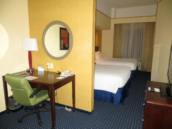 SpringHill Suites Portland Vancouver: Our room with 2 Queen beds
