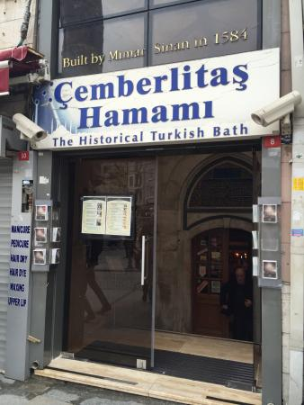 Çemberlitaş Hamamı: Right next to Tram stop