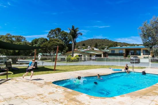 Albany Gardens Holiday Resort: Pool Area