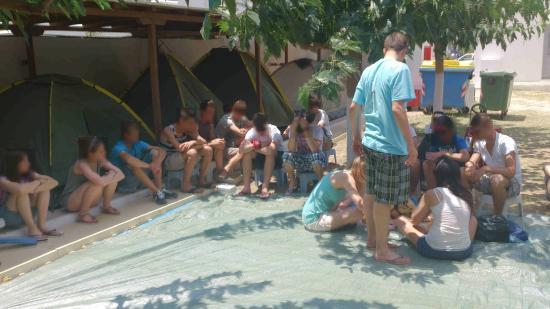 Camping Makis: Posé chez Makis