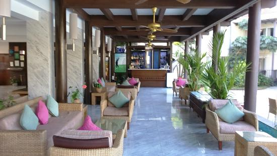 Lobby Area with Bar
