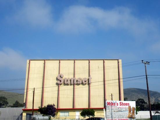 Sunset Drive-In Theatre, San Luis Obispo, Ca