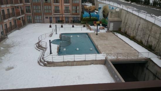 la piscina con nieve picture of apartahotel spa