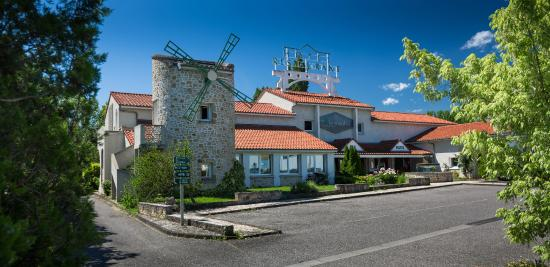Le Moulin des Gardelles : Façade du Moulin