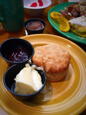 Four Sisters Cafe: Biscuit with rasberry jelly possibly house made
