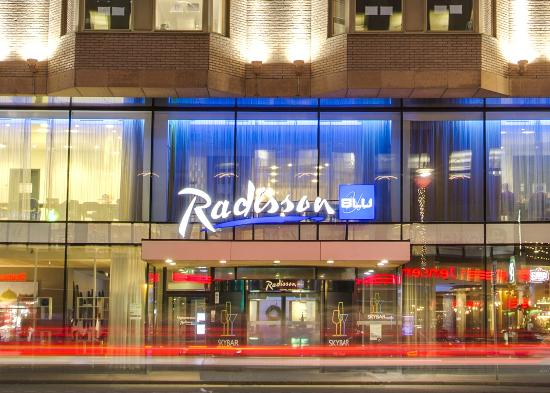 Radisson Blu Royal Viking Hotel, Stockholm: Main Entrance - Vasagatan