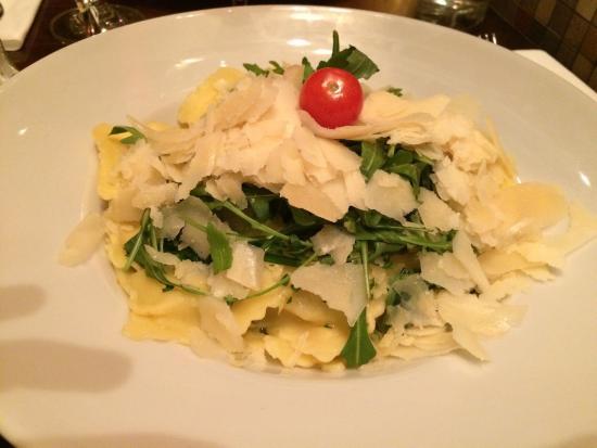 Food - Les Negociants: Wonderful ravioli
