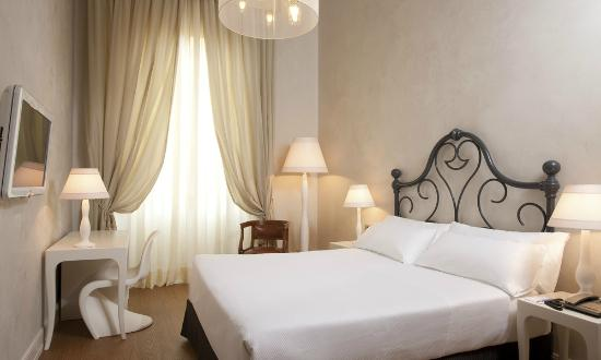 NH Collection Firenze Porta Rossa: Guest Room - Superior Room