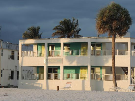 Blick Vom Starnd Picture Of Carousel Inn On The Beach Fort Myers Beach Tripadvisor