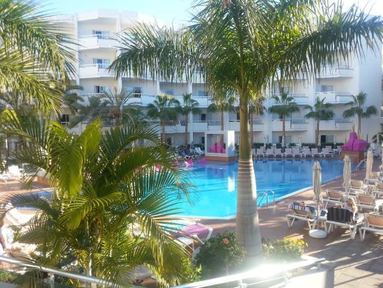 La piscina picture of hotel riu don miguel playa del for Piscina playa del ingles