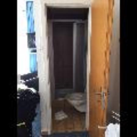 arthaus HOTEL: Dusche/Toilette