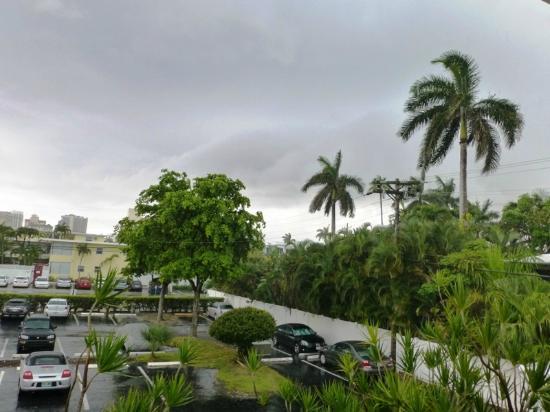 Birch Patio Motel: Es Gibt Auch Regenwolken