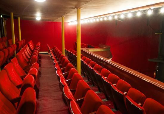 The th tre du splendid photo de theatre in paris paris - Theatre de la porte saint martin 75010 paris ...
