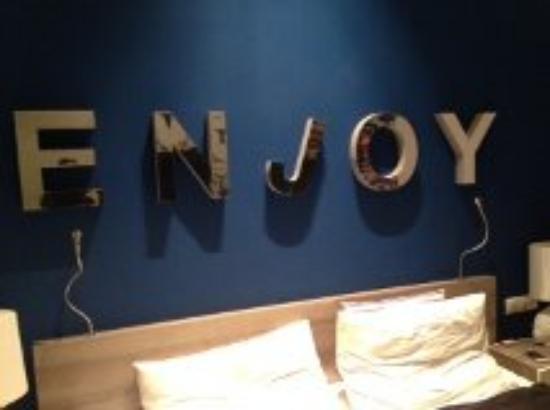 Estilo Fashion Hotel: Enjoy ... the STINK!