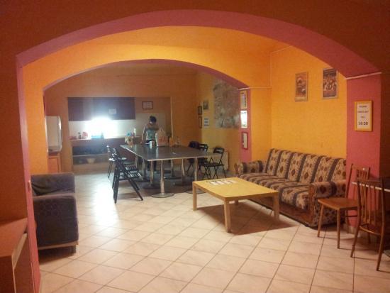 Hostel Emma: Cocina-Comedor
