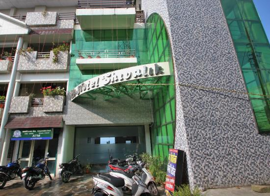 Hotel Shivalik: Hotel Building Picture