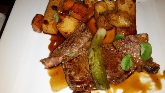 The Clive Bar & Restaurant: Steak main meal