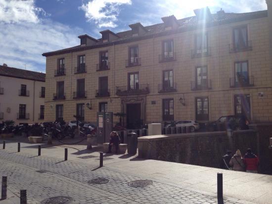 Plaza Del Cordon