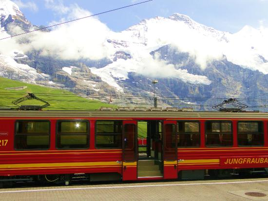Grindelwald, Suiza: Our train after the hike back to Lauternbrunnen