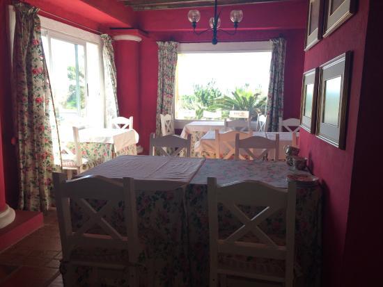 Hotel La Bluette: Área interna para tomar o café da manhã.